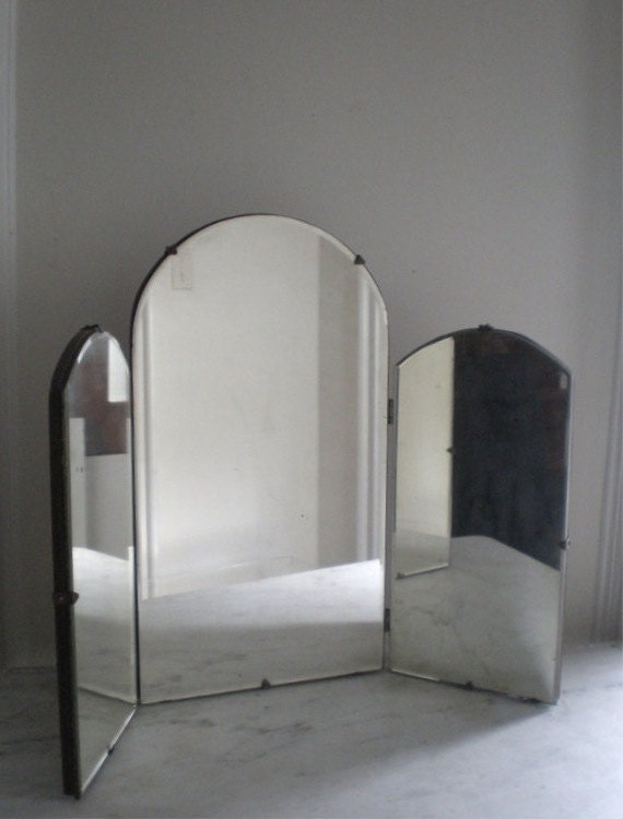 antique tri fold vanity mirror. Black Bedroom Furniture Sets. Home Design Ideas