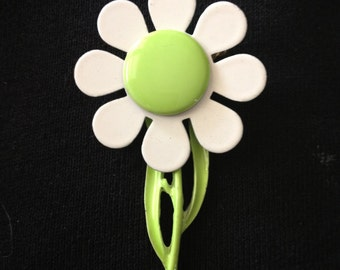Retro Lime Green White Flower Power Brooch