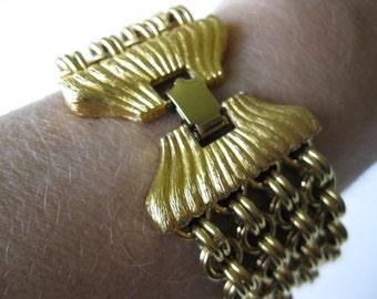 Vintage Monet Goldtone Chain Bracelet