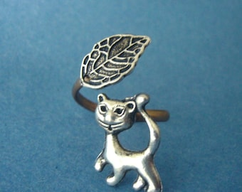 cat ring with a leaf wrap style, adjustable ring, animal ring, silver ring, statement ring