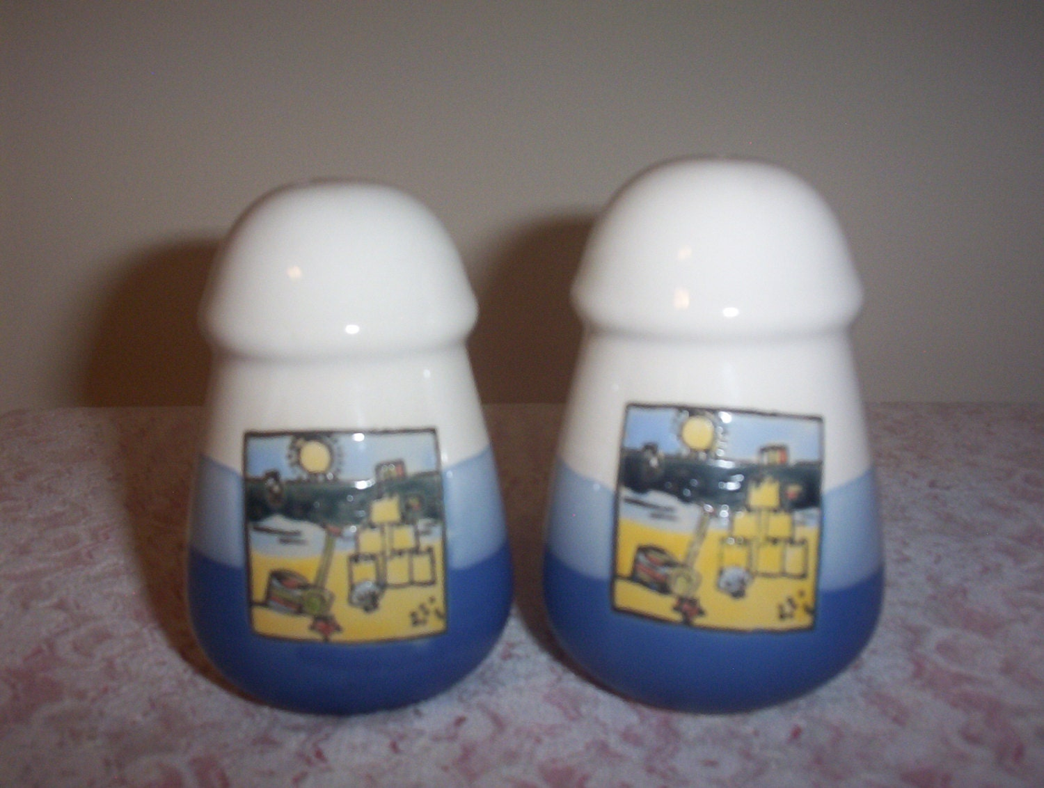 Summer Fun At The Beach Collectible Salt And Pepper Shakers