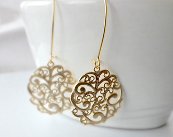 Paisley Round Earrings, Gold Filigree Medallion Earrings, Boho-Chic Gold Filigree Earrings, Gold Flower Round Earrings with Kidney Dangle