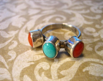 Vintage Sterling Silver Coral and Turquoise Southwestern Band Ring