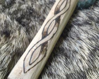 Viking Knot Chain Oak Pendant