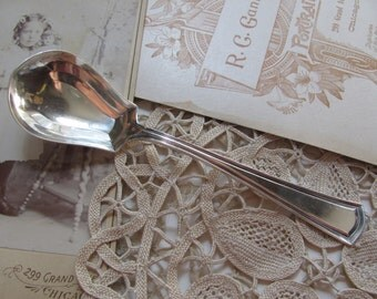 Antique Silver Plate Sugar Berry Spoon -  George Washington 1913 Pattern