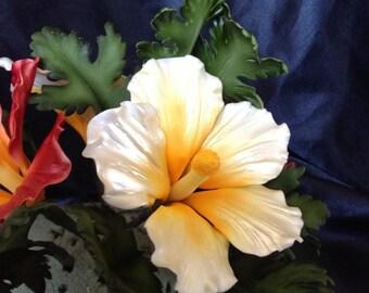Gum Paste Hawaiian Hibiscus Flower Cake Decorations White Fondant flower