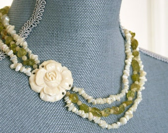 Necklace Peridot Quartz Bone Ivory flower Shell Green lime olive Beige White Rose Asymmetric elegant beach strand stone beaded