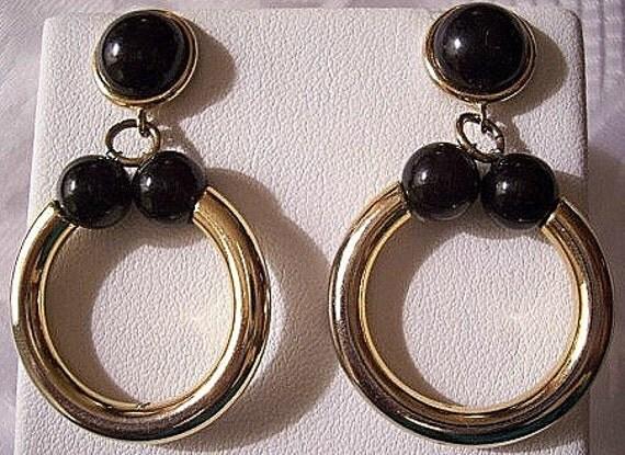 Black Bead Hoop Pierced Earrings Gold Tone Vintage Round Ring Dangles