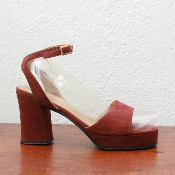 Vintage 60s 70s Suede Platform Sandals 6-6 1/2