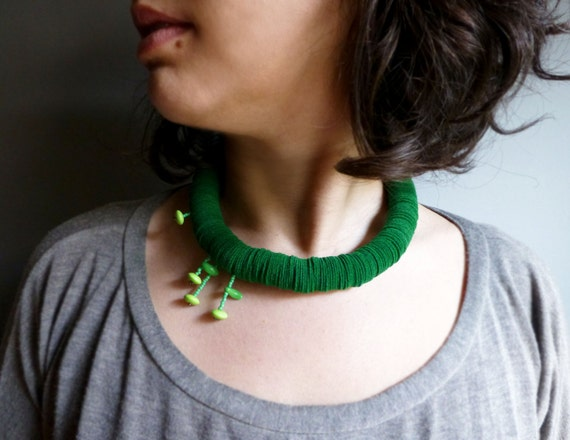 green felt bold chunky necklace with small geometric flowers - contemporary jewelry
