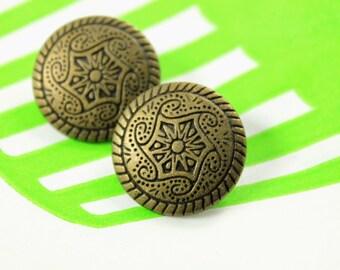Metal Buttons - Celtic Swirl Metal Buttons , Antique Brass Color , Shank , 0.71 inch , 10 pcs