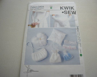 Pattern Gloves Gauntlets Garters Purse Bags Pillows Out of Print Kwik Sew 3404