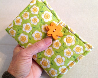 Quilted Tri Fold Sewing Caddy - pattern no. 520