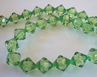 Green Acrylic Bicone Strand