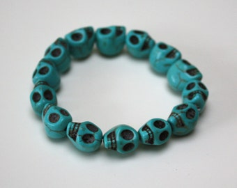 Howlite stone Skull bracelet - Turquoise Teal Blue - elastic stacking cuff
