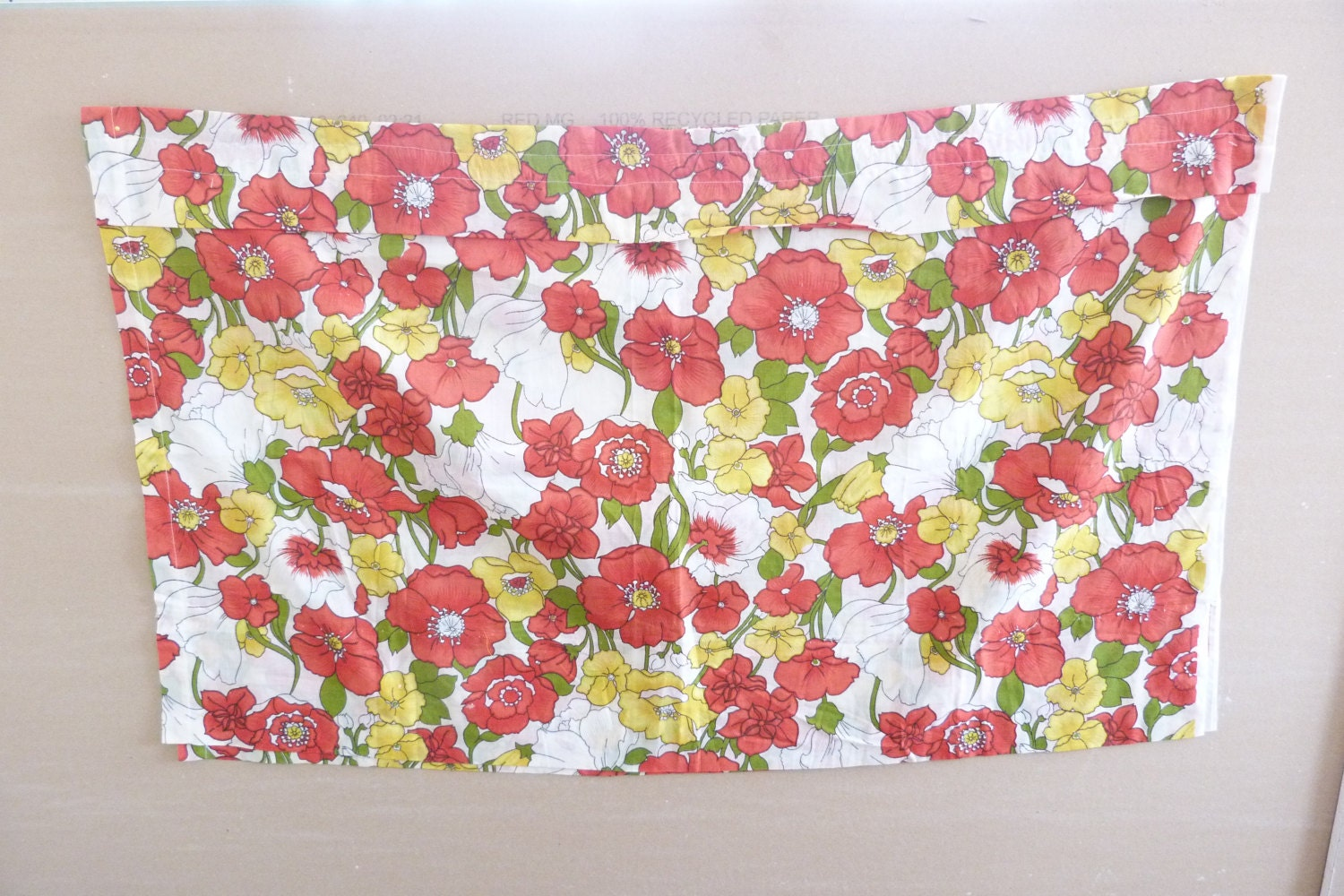 1960 39 s floral kitchen curtains red and yellow by ravishingretro