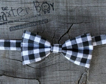 Black and White gingham little boy bow tie - photo prop, wedding, ring bearer, accessory