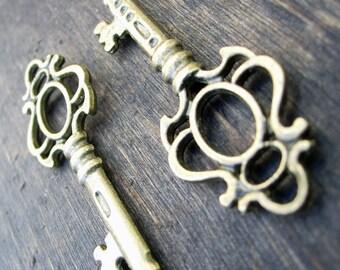 Skeleton Keys 2 pcs antiqued bronze pendants 1.75 inch steampunk vintage style charms wedding pendants wholesale