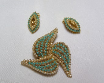 Vintage signed faux turquoise and pearl brooch and clip earrings
