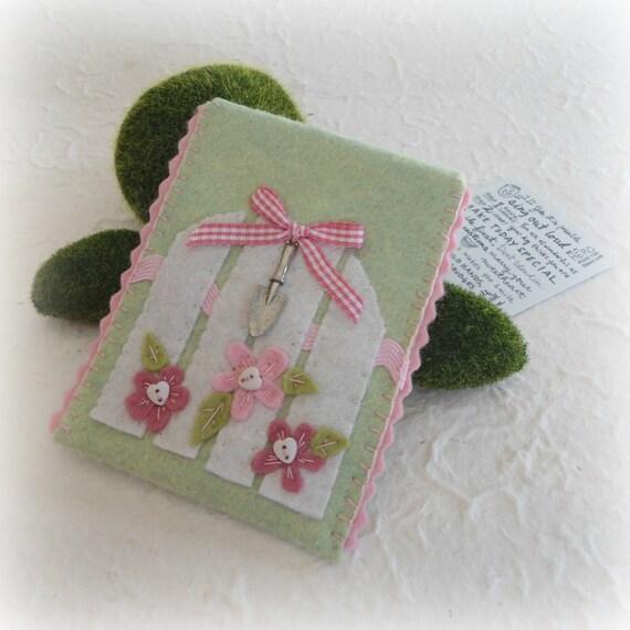 Garden Gate Felt Gift Card Envelope