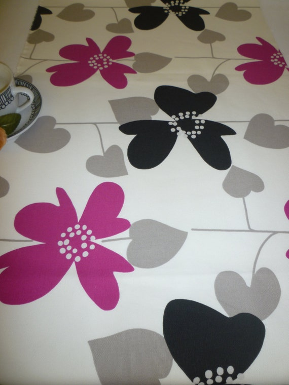 Pink  Modern  Contemporary Fushia choices table Table Funky Runner  design runner with ends 5 pointed