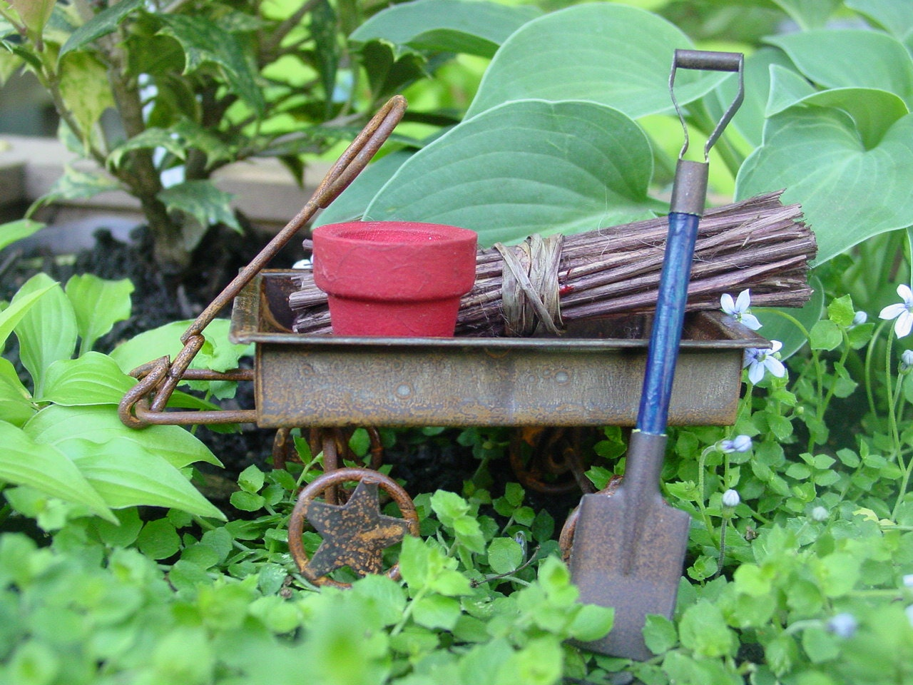 Fairy garden accessories miniature garden wagon and tools for Garden decor accents