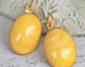 Yellow Oval Marbled Italian Vintage Lucite Scalloped Gold Plated Drop Dangle Lever Back Earrings - Wedding Bridal,Bridesmaid, Beach