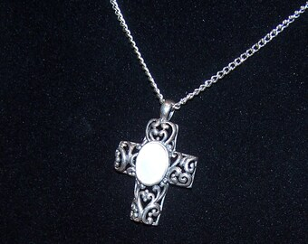 Vintage .925 Silver Cross Pendant With Abalone Cabachon