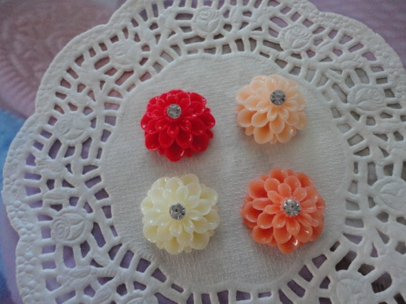Elegant flower with rhinestone cabochons   4 pcs