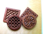 4 Wood Trivets, 2 Matching Pairs Vintage Hand Carved Detailed Hearts Honeycombs Round Square Beautiful Original Pairs All 4 One Price