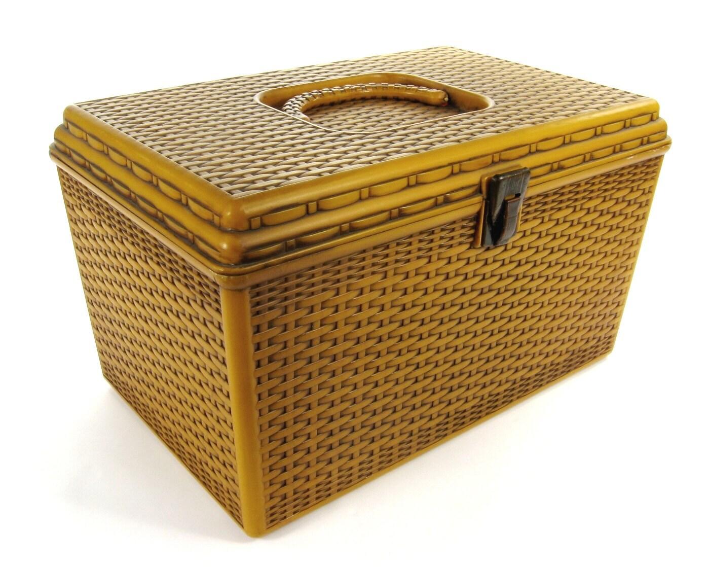 Basket Weaving Supplies Nyc : Vintage basket weave plastic treasure sewing case with metal