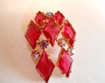 Vintage brooch,AB and wine colored crystal brooch, dimensional brooch, retro brooch, 1950's brooch, vintage jewelry