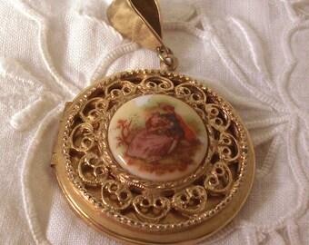 Vintage ceramic cameo type locket