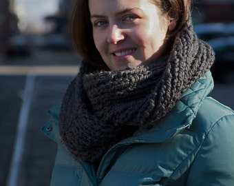Knitting Pattern - Double Loop Cowl - Easy/Intermediate
