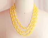 1950s Yellow Early Plastic Sunshine Yellow 3 Strand Chain Link Necklace
