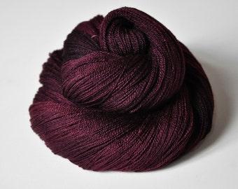 Cursed bloodstain - Merino/Silk/Cashmere Fine Lace Yarn