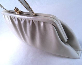 Sale 25% Off Use Coupon Code SAVE25 // Clutch Purse Beige w/ Metal Ribbon Handle Vintage 60s x