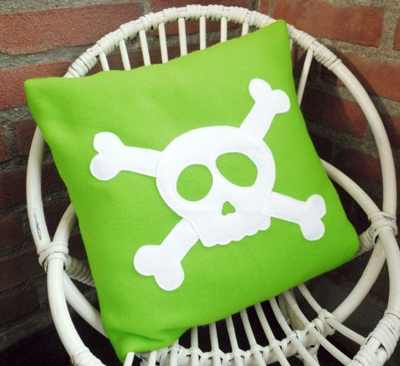 Kids Pirate Cushion Cover with Skull and Crossbones. Fleece Cushion/Pillow Cover 35cm/14inch
