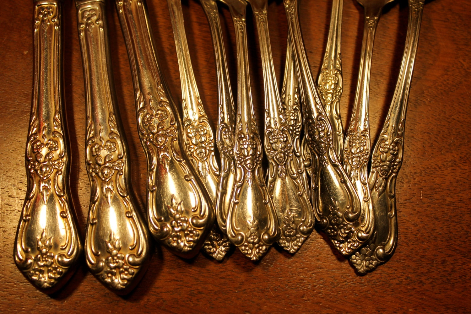 Vintage Flatware From Oneida Distinction Deluxe In Kennett