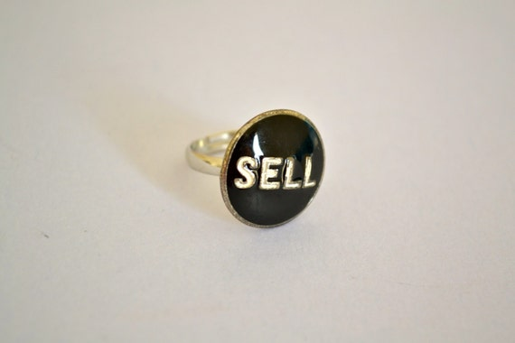 Black and White SELL Ring, Size Adjustable, Silver Tone, Vintage Bead, SPRING Sale, Item No. De621