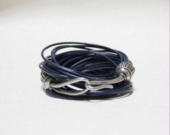 Vintage Hook Ornament Multi Strand Leather Bracelet(Navy)