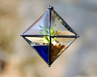 Pyramid Beveled Glass Orb Air Plant Planter with Variegated Blue Accent.