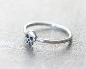 Mini Skull ring in sterling silver