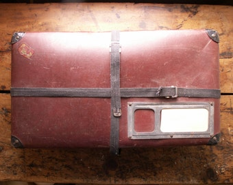 Vintage Dark Red Laundry Mailing Suitcase