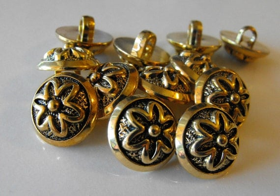 Gold with star flower small round shank buttons size