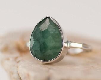 Raw Emerald Ring Silver - May Birthstone Ring - Gemstone Ring - Stacking Ring - Sterling Silver Ring - Tear Drop Ring