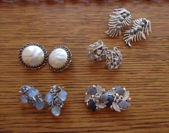 vintage 1950s-60s earrings /  Lot of five sets of earrings
