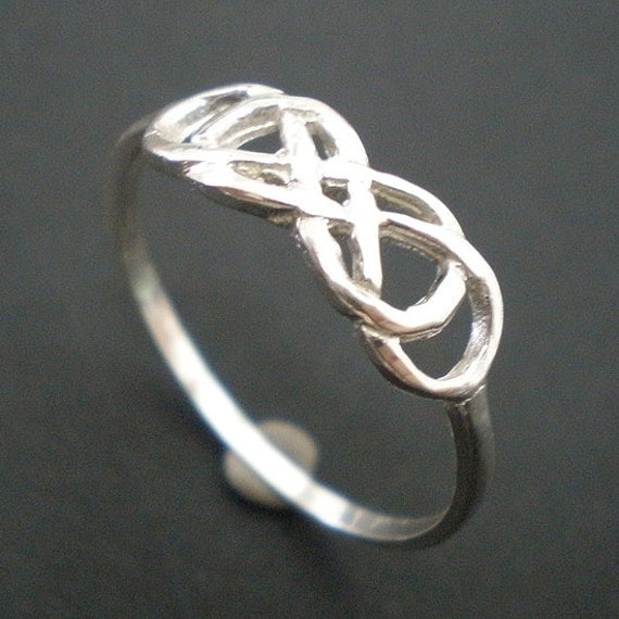 double infinity ring knot infinity x infinity ring for uk. Black Bedroom Furniture Sets. Home Design Ideas