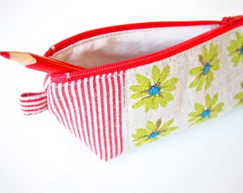 SALE: 30% Off - Triangle Zippered Pencil Case / Pouch - Red Daisy Flower