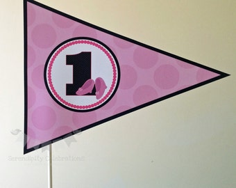 Set of 6 Personalized Flag Centerpieces, Minnie Mouse Inspired Flag Centerpieces, Table Decorations, Pennant Centerpieces, Triangle